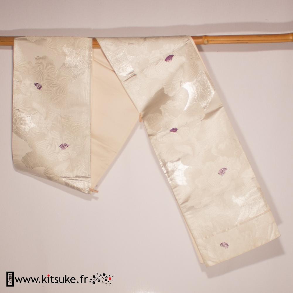 Fukuro obi blanc cassé motif fleur kitsuke