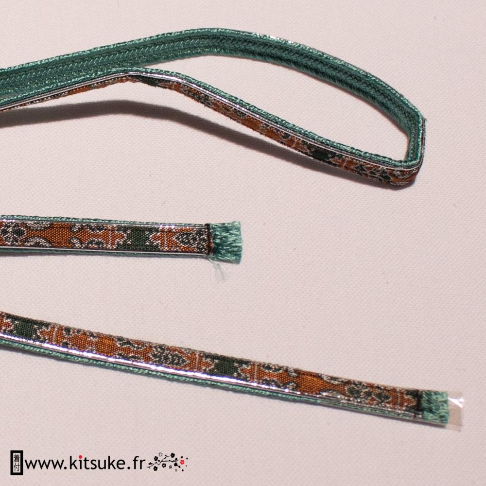 Cordon Obijime plat une face avec motif vert et marron, une face verte kitsuke.fr