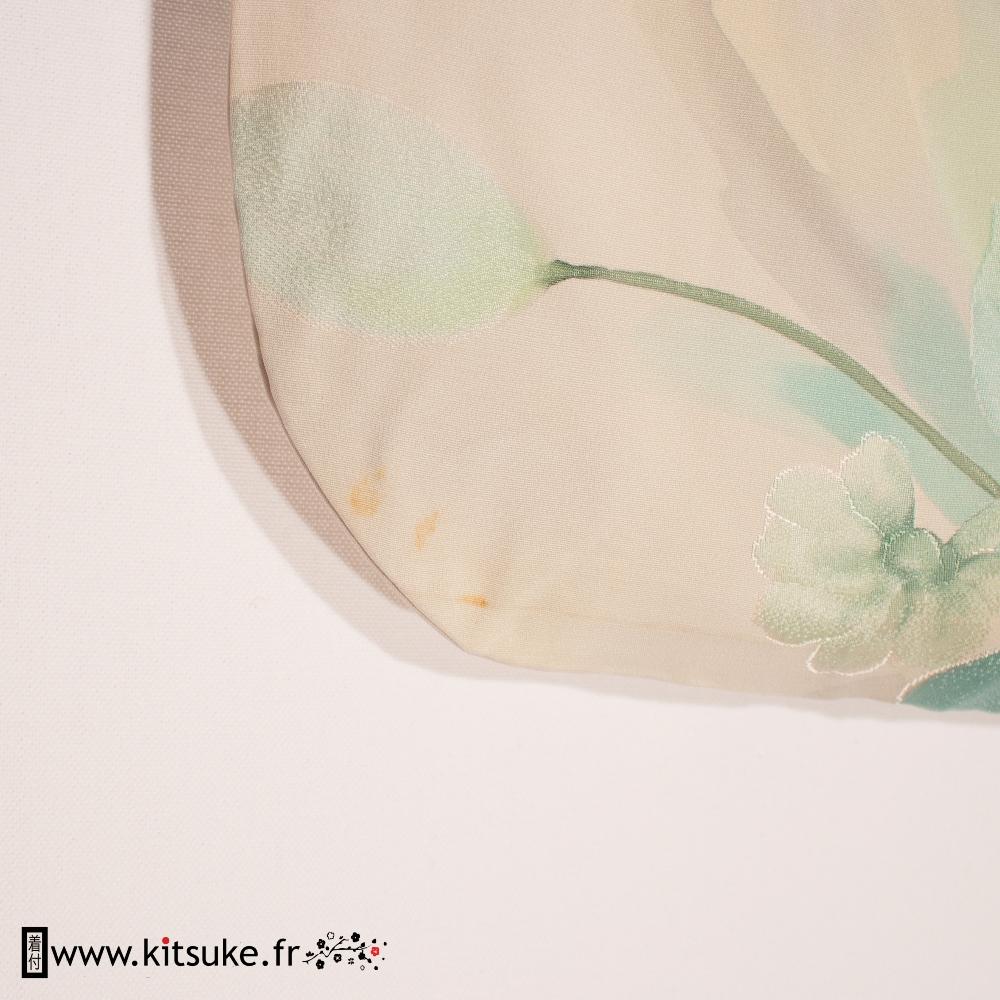 Kimono blanc avec fleurs en aquarelle bleue KOMON