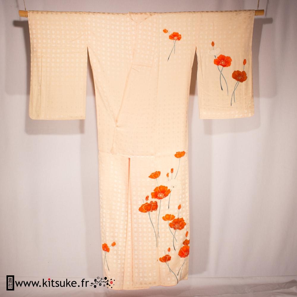 Kimono femme saumon clair avec motifs coquelicots HOUMONGI kitsuke.fr